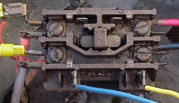 air conditioning and heat pump troubleshooting simplified if your contactor looks like the single pole contactor below burnt or pitted contacts then you need a new contactor the picture below is a single